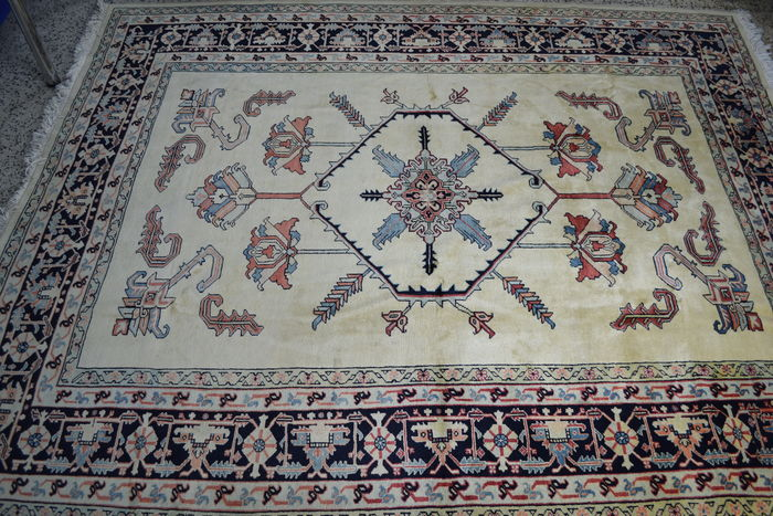 Big and old lilian sarouk handknotted carpet - 353x271cm