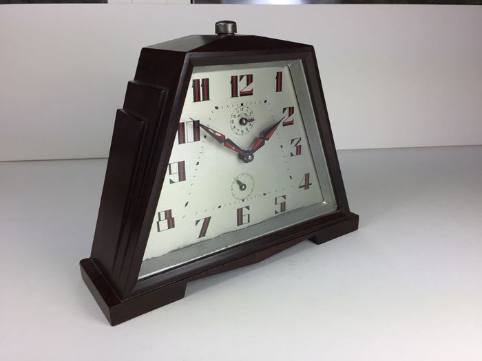 Serviced alarm clock unknown brand 1930s catawiki for Brands of alarm clocks