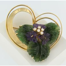 Gold vintage flower brooch with brilliant cut diamond, leaves of nephrite and amethyst flowers