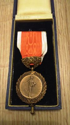 Medal of the French Family 1935 - With Original Box