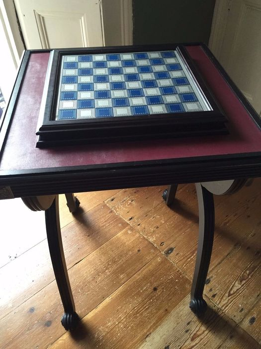 Franklin Mint \ Battle of Waterloo\  lead chess set with table & Franklin Mint \