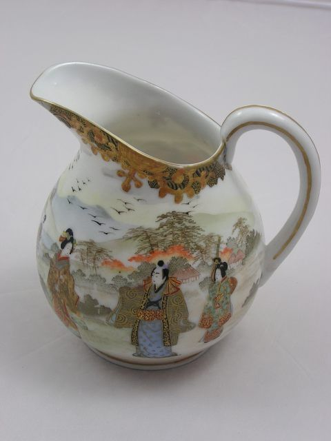 "Antique Kutani milk pitcher marked ""Kuhn & Komor"" - Japan - 1912-26 (Taisho era)"