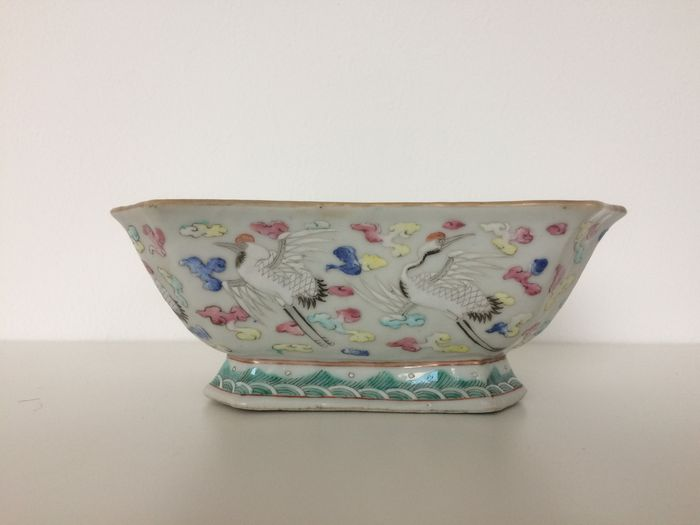 Porcelain famille rose bowl - China - 19th century (Tongzhi mark and period)