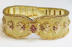 18 kt gold bracelet with rubies.
