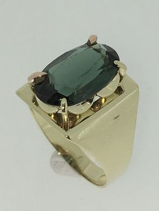 14 kt gold handmade ring with tourmaline. Ring size 17