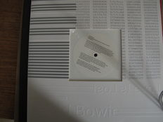 """Nice Lot with 8 David Bowie 12"""" single records, One very Rare"""
