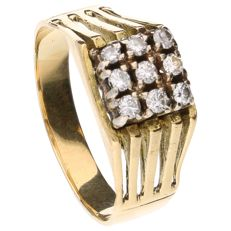 Yellow gold ring set with 9 brilliant cut diamonds of approx. 0.36 ct in total