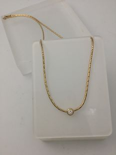 Hallmarked 18 kt gold choker with diamond – Low reserve.