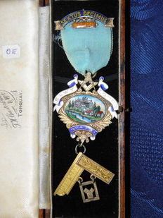Masonic badge, Toye & co., London, 1940-1941