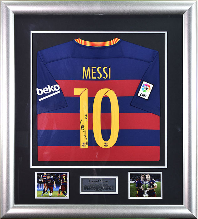 Lionel Messi signed Barcelona jersey 2015-16 - Professional Framed Display  + COA + photo proof - Catawiki