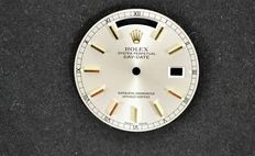 Rolex – original dial with day and date aperture with hands