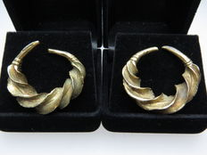 A pair of solid silver gold-plated earrings from the late bronze age - 33 mm