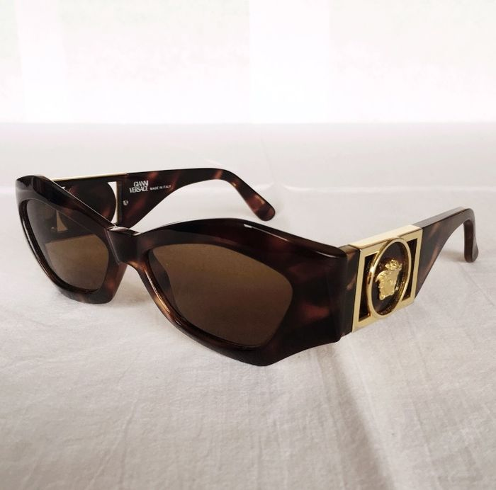 Gianni Versace – Women s sunglasses - Catawiki 94e29c6cf9