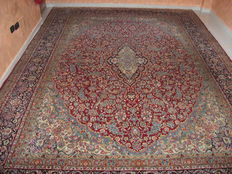 IMPERIAL KIRMAN, FINE IRANIAN CARPET. Dimensions: 430 x 306 cm. HAND-KNOTTED WITH 300.000 KNOTS PER SQUARE CENTIMETRE