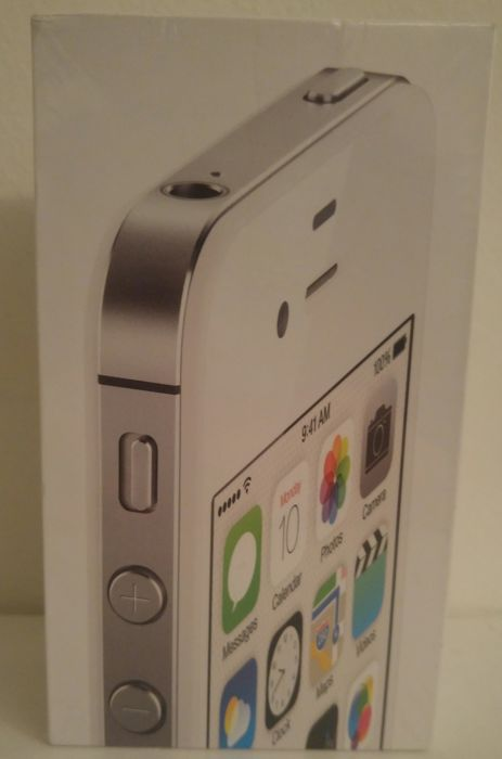 Apple iPhone 4s - 8 GB - Factory Sealed