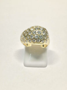 Gold ring (18 kt) with 1.59 ct of Top Wesselton diamonds