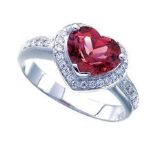 Pink tourmaline 18 kt white gold ring, size: 4.40 g and 0.25 ct diamonds