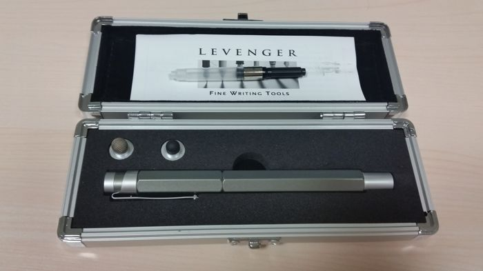 Fountain Pen Chrome Levenger