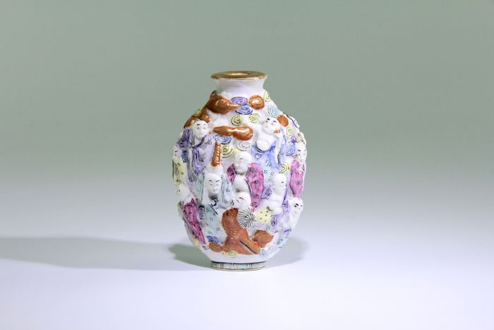 Porcelain snuff bottle - China - begin 20th century