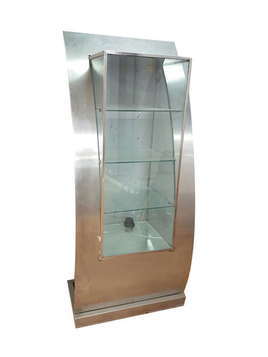 Large display case in metal and glass