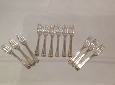 12 dessert forks in 800 silver, Italy, 21st century