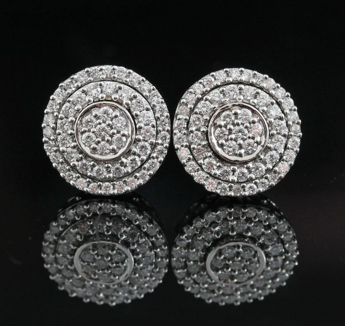 14kt gold diamond earrings 0.60ct - GH-VS2-SI1 / measurements: 10.7 x 10.7 x 15.6mm - weight 3.6gr