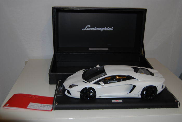 mr collection models - 1/18 maßstab - lamborghini aventador