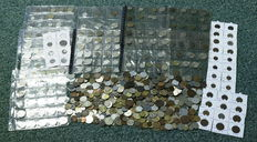 World - batch of assorted coins (over 600 pieces)