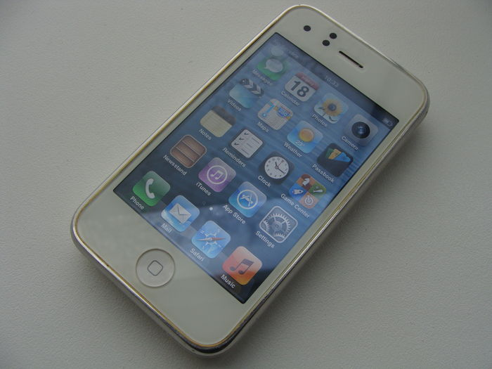 apple iphone 3gs white 16gb in box with usb cable manuals and rh auction catawiki com iPhone 10 iPhone 4G