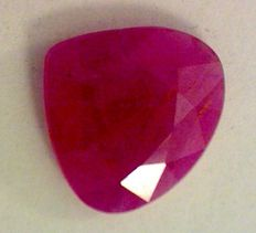 Pink Ruby - 2,02 ct
