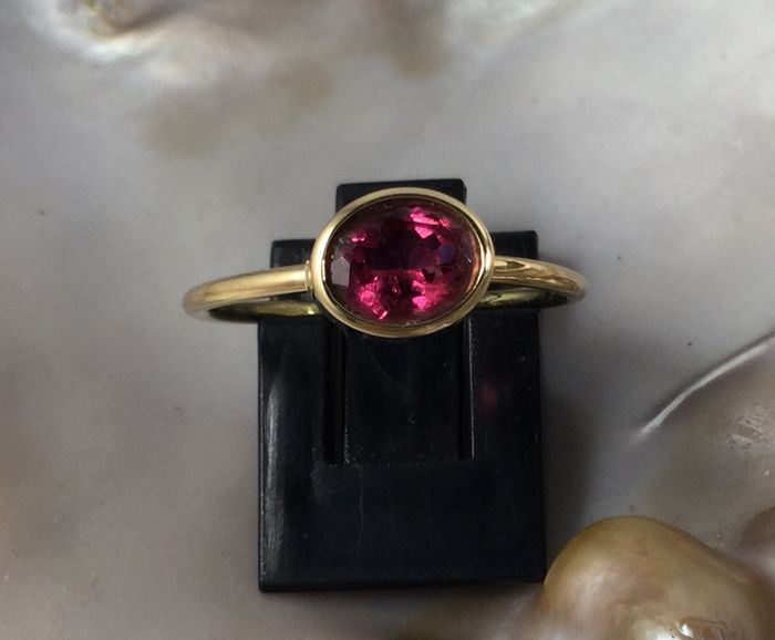 18 kt Gold Ring with Tourmaline, size 56