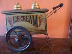 Ice cream and wafers car