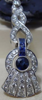 18 kt white gold earrings with diamonds and sapphires