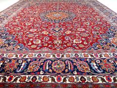 """Signed Meshed – 358 x 310 cm – """"Eye-catcher in a special size – Persian carpet in beautiful condition"""""""
