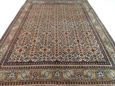 """Indo Herati – 314 x 256 cm – """"Large oriental rug in warm colours – Beautiful condition"""""""