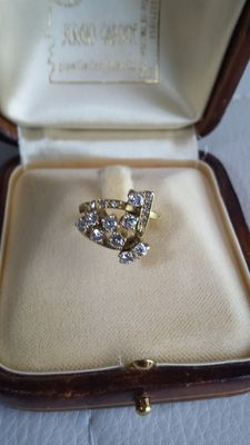Elegant and shiny yellow gold ring with 16 diamonds – Low Reserve Price
