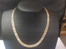 Solid yellow/white gold 14 kt choker in excellent condition, from the 2000s - Length 45 cm