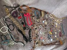Vintage jewellery collection over 120 items