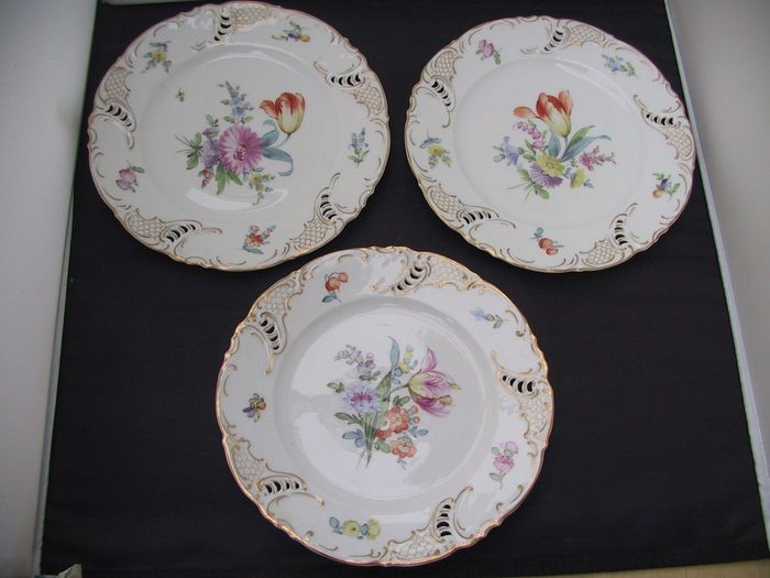 Nymphenburg - 3 flower dishes - stamped - text - logo