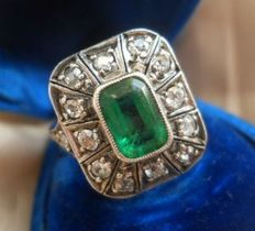 14 ct Gold old cut Diamonds 1,25 ct  and synthetic Emerald ring form 1930-40'.