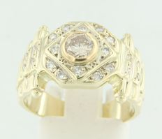 Yellow gold ring 18 kt, set with brilliant cut diamonds.