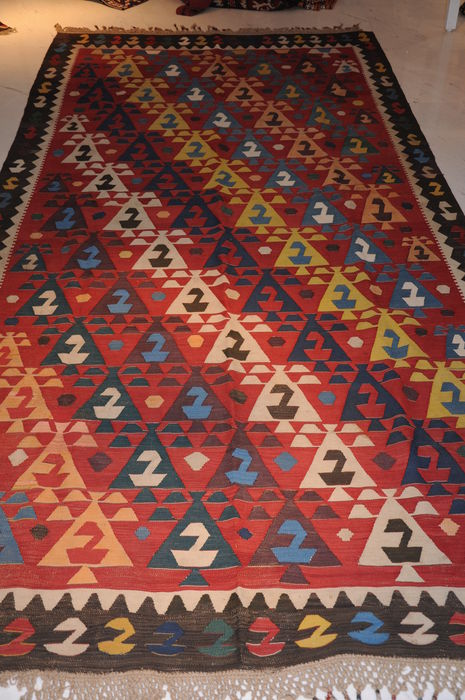 CAUCASIAN HANDWOVEN KILIM, ANTIQUE, RUSSIA AROUND 1900
