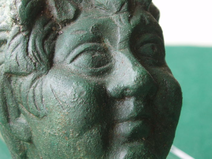 Car piece Roman Satyr in bronze - nice green patina - 7.6 cm