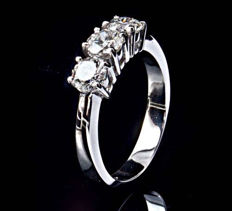 White gold trilogy ring with 0.80 ct diamonds (F - VS)