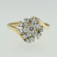 18 kt bicolour gold ring set with 19 brilliant cut diamonds *****NO RESERVE PRICE****
