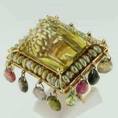 18 kt colossal gold ring set with large yellow citrine, salt water cultivated pearls, tourmaline, ruby and peridot up approx. 43 carat in total
