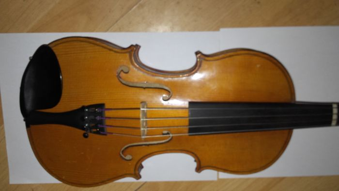 Antique violin, Mirecourt school, 3/4