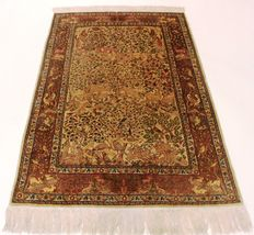 Valuable, unique, old hand-knotted silk palace carpet – gold Hereke silk on silk pictures –carpet with animal motifs –SIGNED Hereke – fine 1,400,000 knots per square metre 103 x 160 cm unique, like new