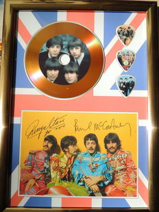 Verry Decorative   - Gold Beatles Disc With Signed Picture Reprint  -