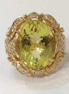 Ring with lemon topaz and diamonds
